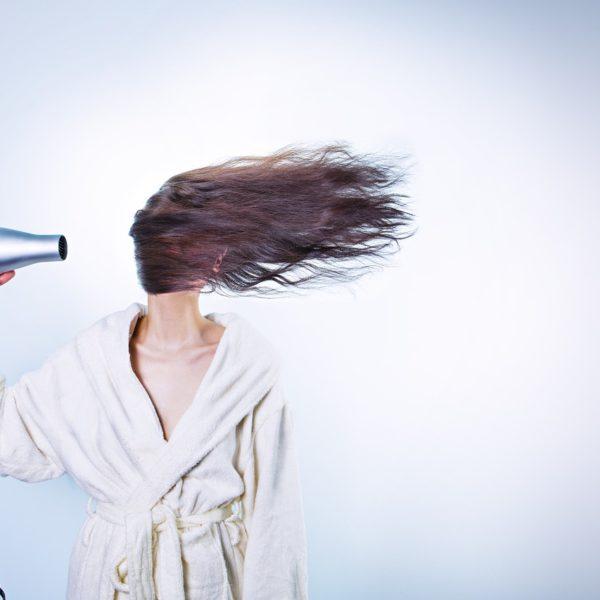 Come rimediare alla caduta dei capelli